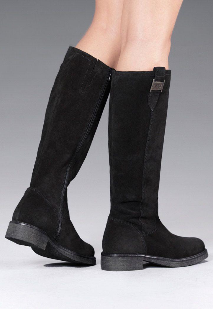 Unas botas negras son un básico para tus looks invernales. ¡Estas navidades regálate Gadea! Visita nuestra tienda online www.gadeawellness.com