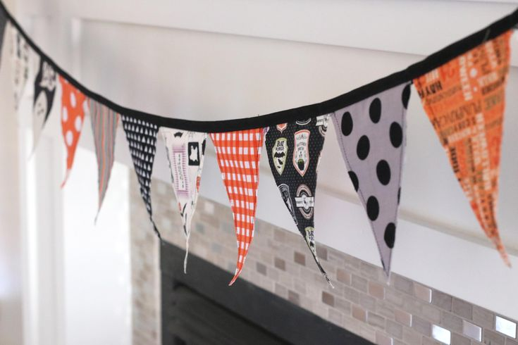 Make quick and easy DIY holiday decor with this fabric bunting tutorial.