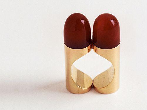 Bernhard Schobinger Ring: Lipstick Ring, 1970 Pale gold, carnelian, fewer than six made Kunsthaus Zug, Switzerland, gift of Sonja Graber Photo: Bernhard Schobinger