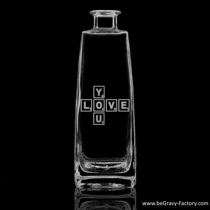 Bouteille personnalisée et gravée avec écrit Love you en Scrabble ! Le texte peut être changé.