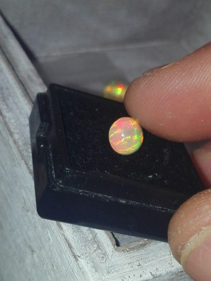 Opale welo 1.5 carati trasparente brillantezza 5/5 con bellissimo motivo a strisce multicolore rarissimo very rare by Torinopal on Etsy