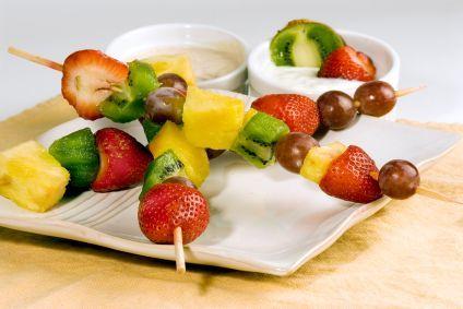 Fruit Kebabs: Coconut Yogurt, Fruit Kebob, Fruit Kabobs, Yogurt Recipes, Fruit Recipe, Fruit Kebabs, Fruit Dips, Healthy Appetizers, Summer Snacks
