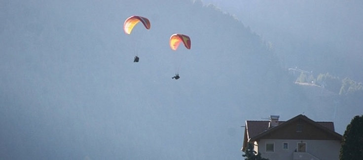 #Drachenfliegen in #Suedtirol – hoch hinaus -  Fliegen – und den Wind als Freund gewinnen - das mag ich auch mal machen!!