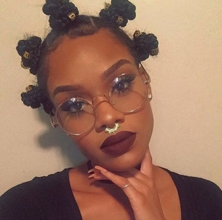 Black Girl With Curly Hair, Glasses And Septum Piercing -3692