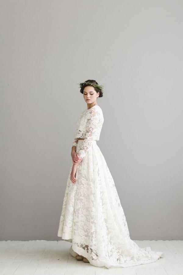 Idéale pour sauter le pas en hiver, la robe de mariée à manches longues compte parmi les grandes tendances du moment. Rétro, romantique ou princière, zoom sur les plus beaux modèles vus sur Pinterest pour s'inspirer ou simplement rêver !