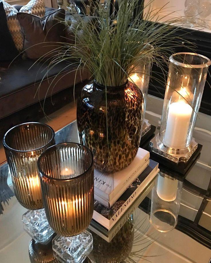 Ha en fin mandag⭐️ Elsker den nye vasen fra @bondstreet_essentials 🌿🌾🍃 #bymadsmagazine #bymads #madsmolvik #interiør #inredning #dekor #decor #design #hjem #hone #vase #blomster #flower #interior #interiordesign #homestyle #homedecor #candleholder #light #view #myhome