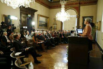 News: John F. Nash, Jr. and Louis Nirenberg share the Abel Prize