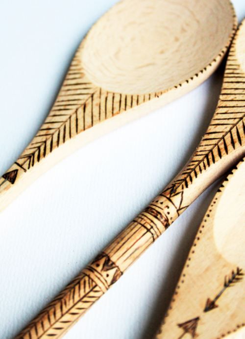 Wood Burned Spoons, I like this idea, great for a camp craft.