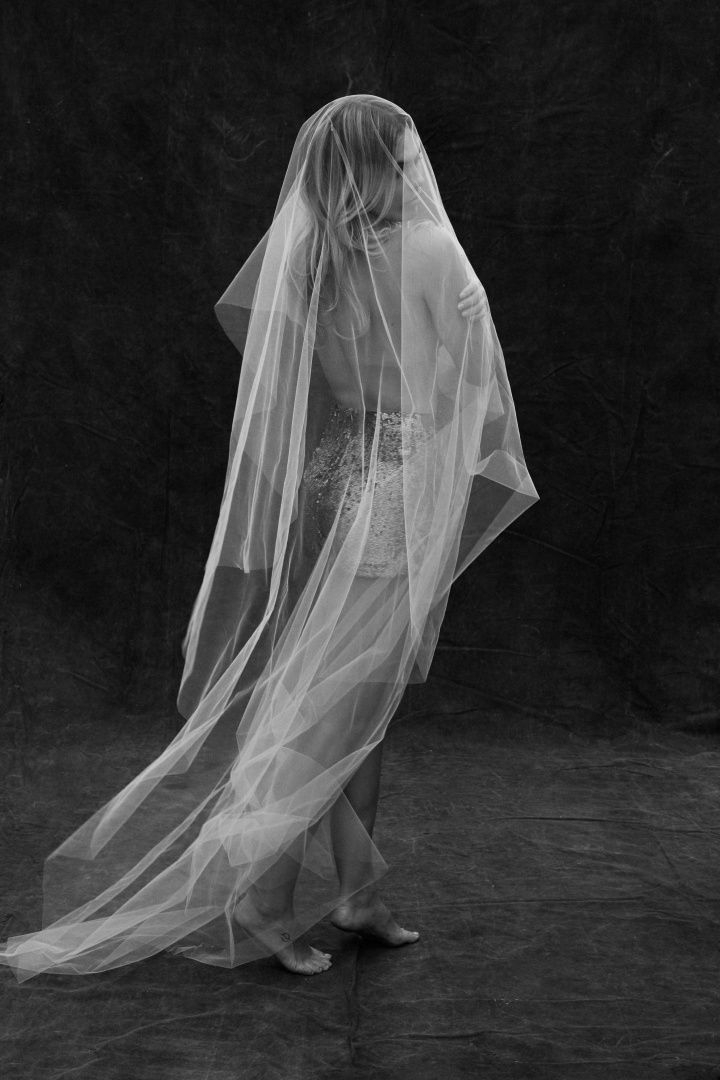 THE SHEATH VEIL Photography by Alli Oughtred