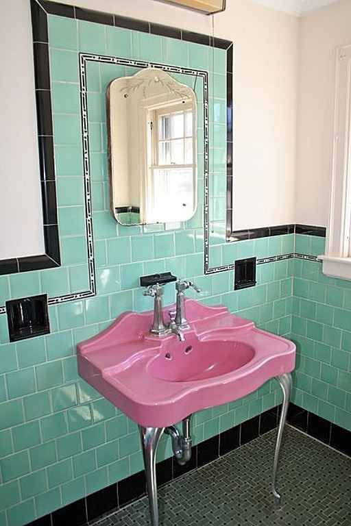 Art Deco Bathroom: 38 Best Vintage Tile Bathrooms Images On Pinterest