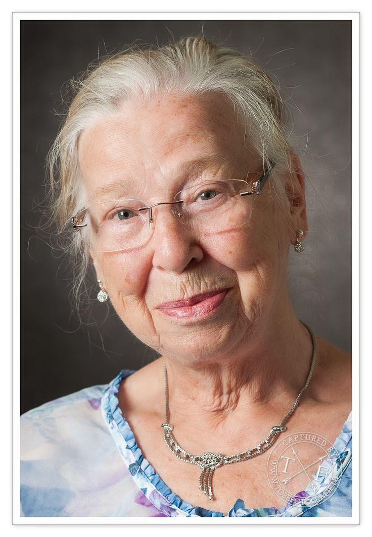 Eindopdracht Fotovakschool, portret, senioren, oma, studio, ouderen, tobefotografie, Erik Tobé