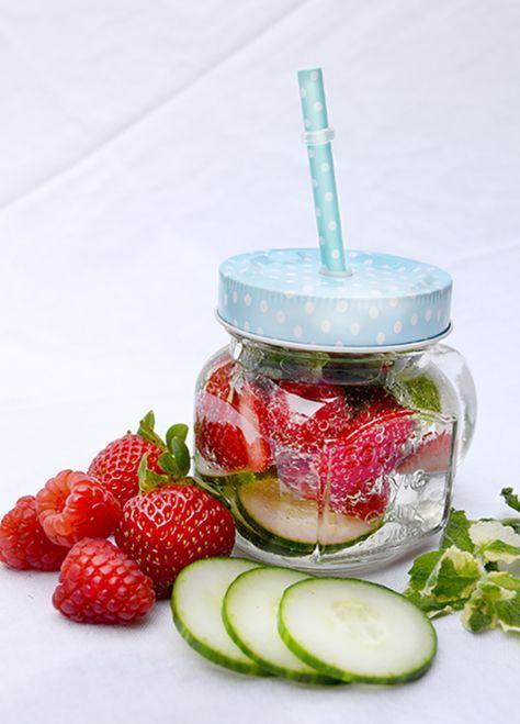 #Erdbeerminze,#Wasser,#Erdbeeren,#Gurken