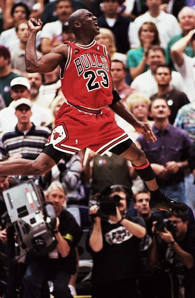 The airness of MJ is on display as was  so often the case. (although why is his tongue not showing itself , as it did SO very often)