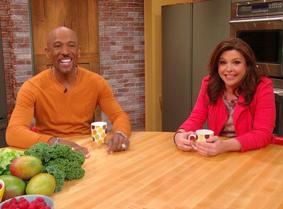 Montel Williams' Green Smoothie These are the ingredients, reduce them for an individual portion 2 pints watermelon 1 pint pineapple 2 green apples 2 bananas 2 quarts Coconut water 1 Lg Bag of Frozen Blueberries 1 Bag Baby Spinach Ice Cubes