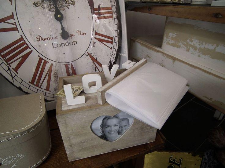 Novinky v obchodě - stylové a originální foto album s nápisem LOVE. http://www.Niels-Decor.cz
