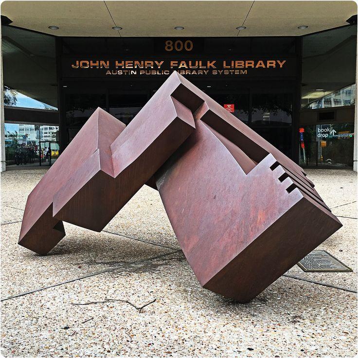 "Austin 10K'rs U-turn 'round ""Eagle ll"" sculpture by artist  David Deming on the six mile #MoonlightTowerRun21 through downtown Austin."