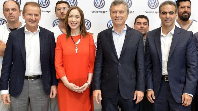 """Volkswagen le anunció al Presidente Macri una inversión de 650 millones de dólares   Macri: """"Hemos tomado el camino correcto""""  """"La Argentina está creciendo. Por eso estamos batiendo récords"""" dijo el presidente Mauricio Macri durante una visita a la planta industrial de Volkswaguen que anunció una inversión de 650 millones de dólares en el país. Macri sostuvo que en lo que va del año ya se ha alcanzado una cifra de """"más de 780 mil autos vendidos"""" y apuntó que """"lo más importante es que hay…"""