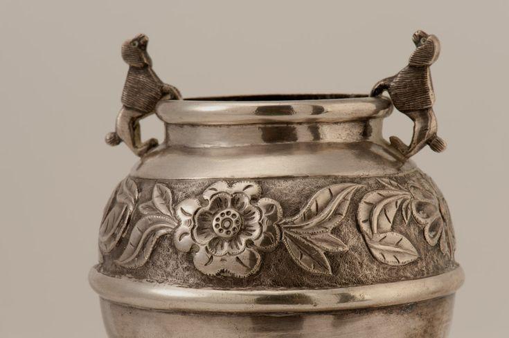 Mate de plata. Museo de Artes Decorativas, en depósito.
