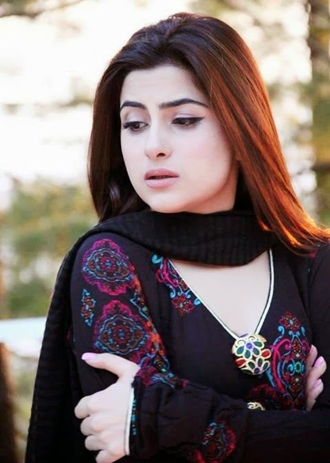 Beautiful Pakistani actress Sohai Ali Abro HD wallpapers Free Download