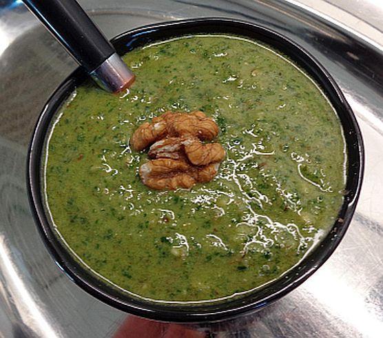 pesto-raw & puur met basilicum en walnoot