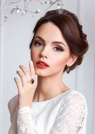 Wedding makeup for green eyes and black hair, bridal makeup for hzel eyes