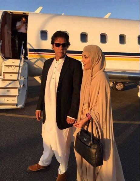 Imran Khan & Reham Khan Ummrah Photo At Makkah (1)