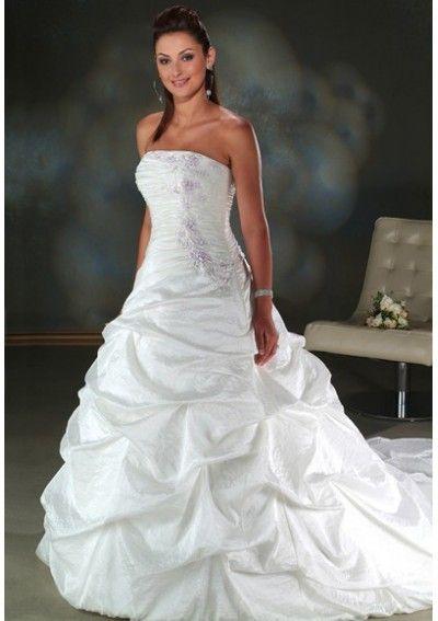 110 best Wedding dress images on Pinterest   Medieval dress ...