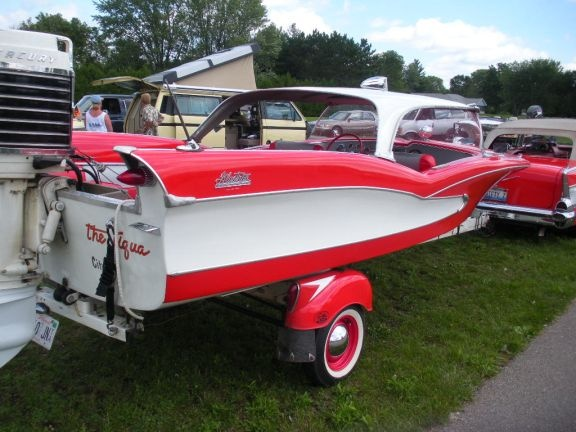 1958 boats with big fins midwest all classics beloit for Fin for boat motor