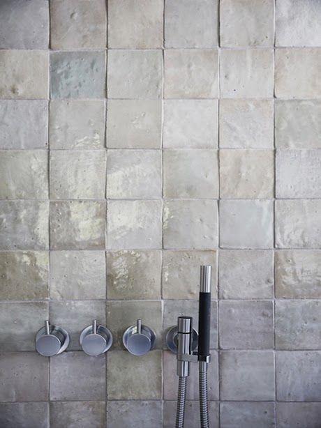 vosgesparis: Inspiration for your bathroom | grey shades