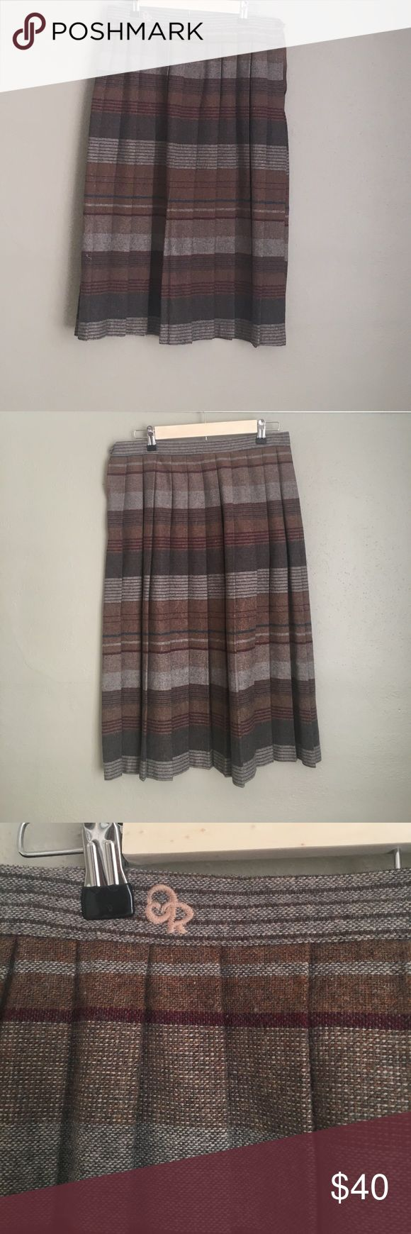 "Vintage Oscar Larenta Pleated Plaid Skirt, Sz 16 Cute vintage Oscar de Larenta Pleated plaid skirt size 16. Knee length with zipper and button close at the hip. Measurements of garment while laid flat:   Waist: 15 1/2"". Length:  29"". Oscar de la Renta Skirts Mini"