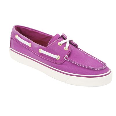 These will make your outfit pop! BISCAYNE by SPERRY