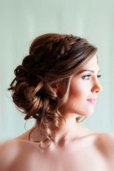 One thing you should do right at your wedding hairstyle