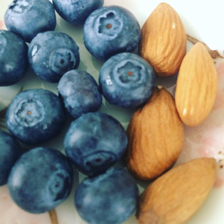 Almonds and blueberries - healthy snack