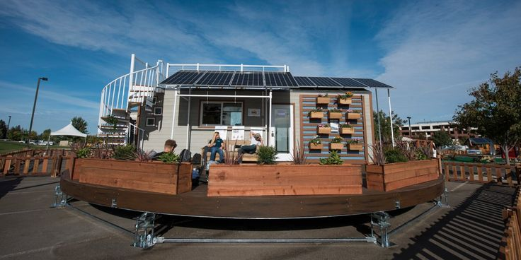 A rotating tiny house that always faces the sun! Clever. #architecture #solarpower #housedesign