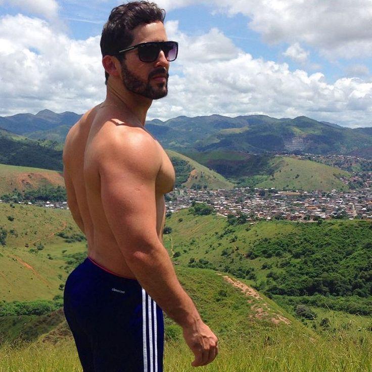 😎😎😎 #ipatinga #mg #diadesol #fds🔝 @homem.de.barba #fitness #natureza #nasalturas #valedoaço - Alf Guzzo (@alfguzzo)