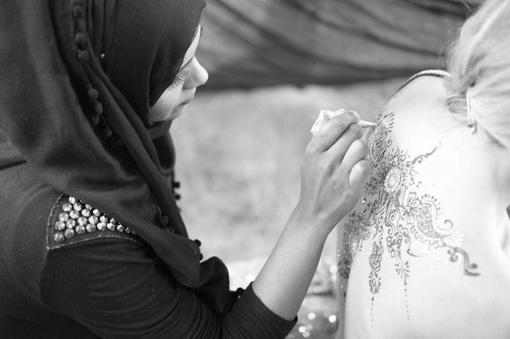 Behind the scenes of a shoot! Beautiful henna back design #makeup #henna www.farhana.co.uk