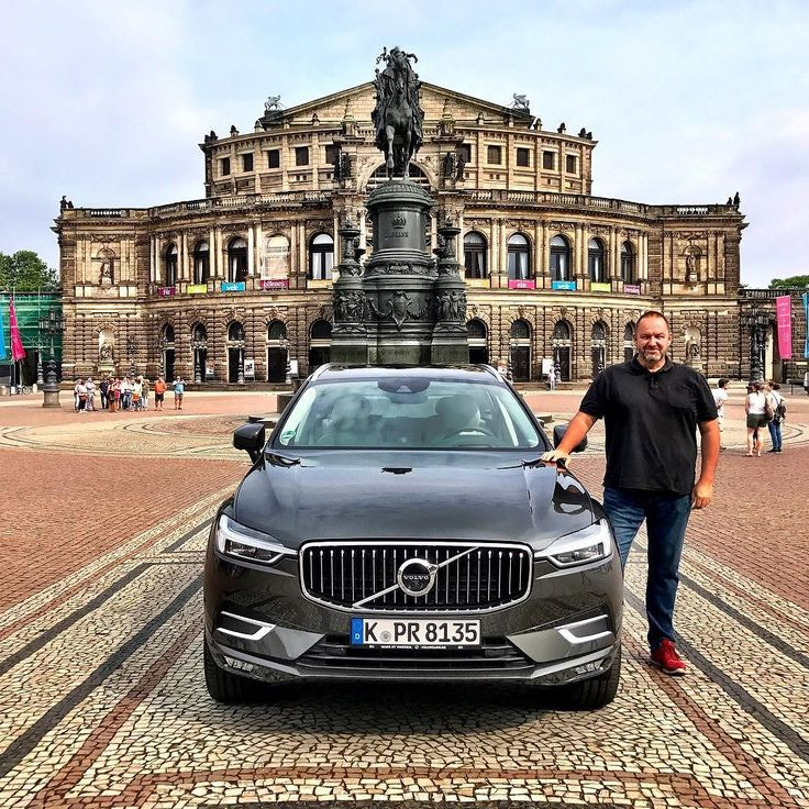 Shooting the all-new Volvo XC 60 in Dresden. #volvo #volvoxc60 #volvos60 #cars #car #instacar #instacars #carsofinstagram #quickcarreview #suv #4x4 #dresden @volvocars @volvocarde @volvofamily