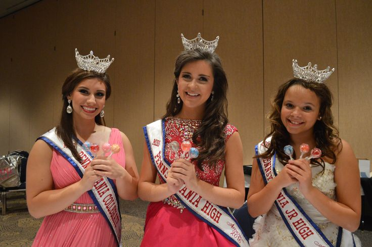 From left to right: Miss Pennsylvania Collegiate 2016, Rebecca Zaneski, Miss Pennsylvania High 2016, Rachel Bish, and Miss Pennsylvania Jr. High 2016 Wyntre Grove #madeinamerica #oglollipops #triplethesweetness #queensfavoritelollipop #OriginalGourmet