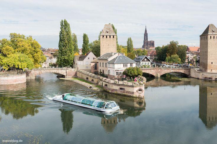 Straßburg kennen wir vor allem aus den Nachrichten, im Kontext der EU Politik. Mehrere europäische Einrichtungen haben dort ihren Sitz. Darunter der Europa