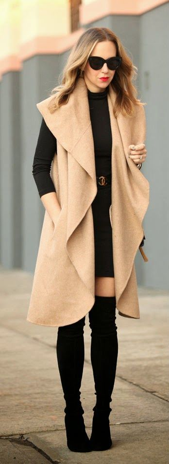 Classic Camel and Black Outfits | Chic Street Styl...