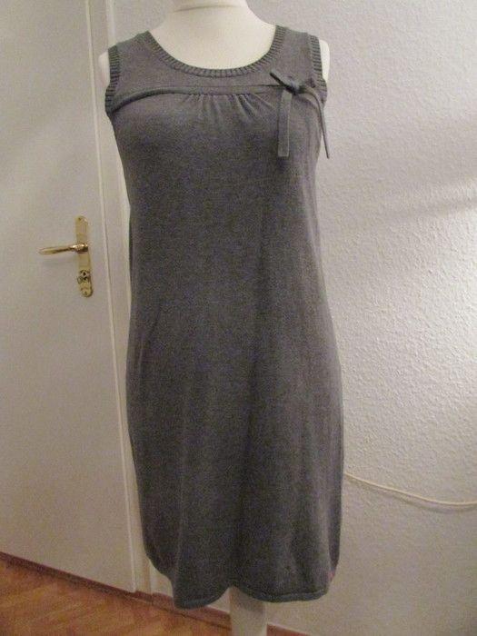 Mein Strickkleid grau edc Größe M von edc! Größe 40 / M für 16,00 €. Sieh´s dir an: http://www.kleiderkreisel.de/damenmode/kurze-kleider/127070898-strickkleid-grau-edc-grosse-m.