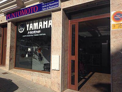 Exteriores tienda motos manu