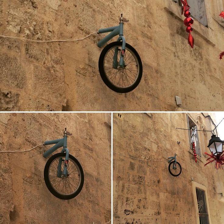 #montpellier au détour d'une rue, je lève les yeux et #surprise !!! #art #design #streetstyle #streetart