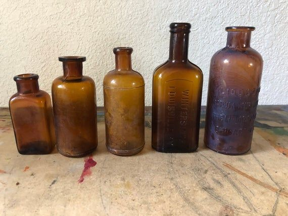 5 Antique Apothecary Bottles Amber Glass Pharmacy Medicine Bottles From 1800 S 1900 S Instant Coll Vintage Bottles Apothecary Bottles Antique Glass Bottles