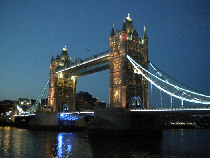 Tower Bridge de noche, Londres