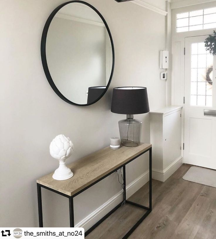 What A Beautiful Entrance Great Choice The Smiths At No24 Residential Interior Design Interior Deco Luxury Mirrors