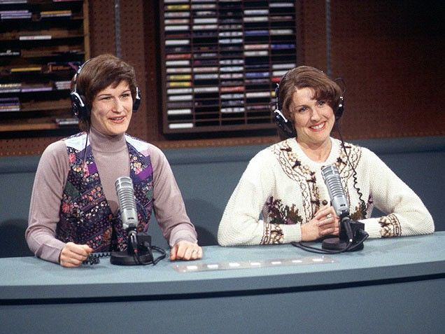 Ana Gasteyer & Molly Shannon as NPR's 'Delicious Dish' Hosts
