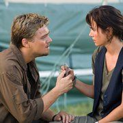 Still of Jennifer Connelly and Leonardo DiCaprio in Blood Diamond (2006)