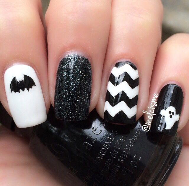Halloween Nails using vinyls from @snailvinyls
