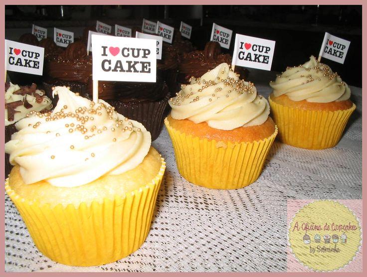 A Oficina de cupcakes: Cupcakes cobertura ganache branco